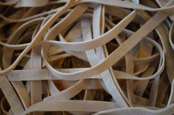 Hoe lang kun je een elastiekje uitrekken?